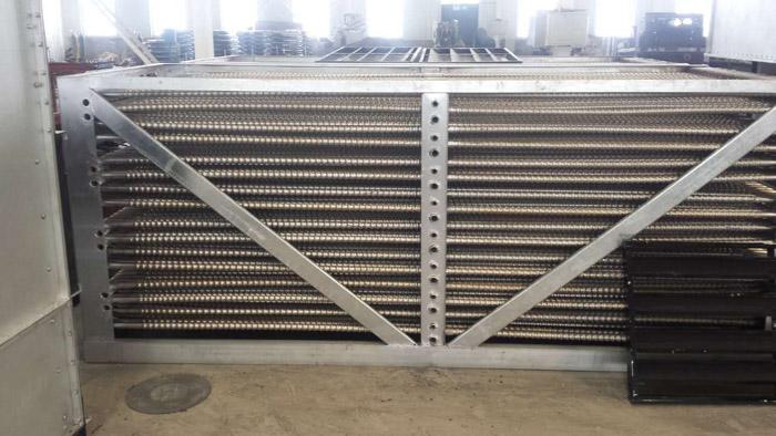 成为一种闭式冷却塔,通过喷淋水增强传热传质的效果